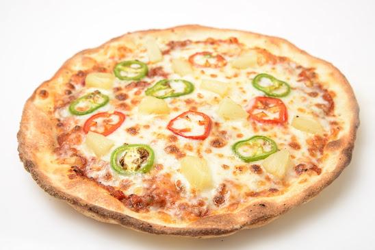 צילי-הוואי-65-שח-פלחי-אננס-גבינת-מוצרלה-פלפל-חריף-וגבינת-פטה.